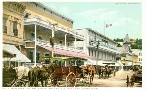 This ca. 1906 postcard shows the relationship of the structure to the Murray Hotel next door. Note how the building was set back from the street.