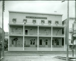 This view, from about 1910 shows how the original turned porch columns had been replaced by Doric-style columns.