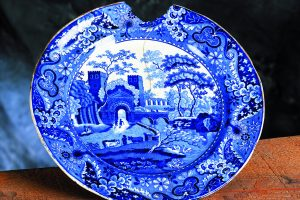 This Castle pattern plate was manufactured by James and Ralph Clews of Staffordshire between 1815 and 1834.